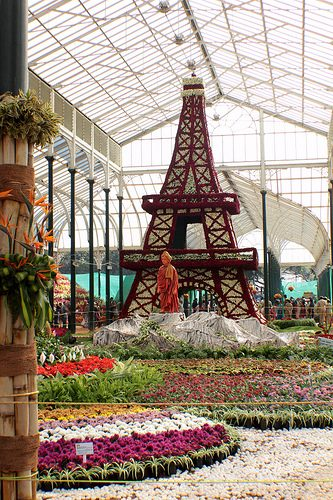 Eiffel Tower & Vivekananda @ Lalbagh Flower Show